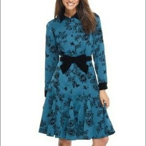 Gal meet Glam crepe shirt dress